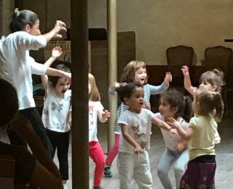 teatro-danza-creativa-niños-pugliese-s